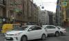 ДТП с участием белых автомобилей стало причиной пробки на набережной реки Карповки