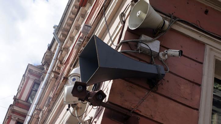 В России принят закон о запрете аудиорекламы из громкоговорителей
