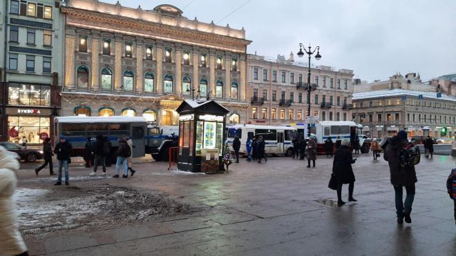 Родителей школьников Петербурга призвали не пускать детей на митинг в субботу