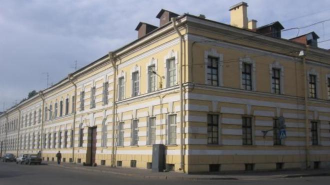 Изменение фасада старинного здания в Петербурге переросло в уголовное дело