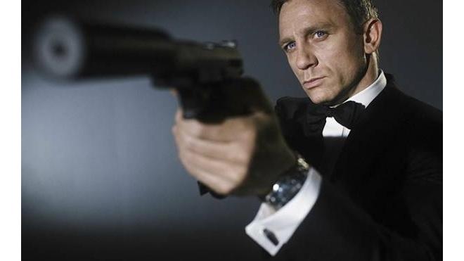 """Россияне с нетерпением ждут премьеру фильма о Джеймсе Бонде """"007: Спектр"""""""