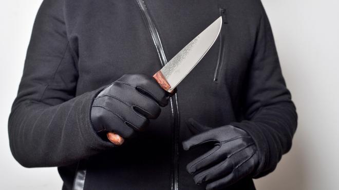 Молодого следователя Фрунзенского района ударили ножом на Витебском проспекте