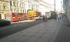 На Невском столкнулись легковушка, троллейбус и уборочная техника