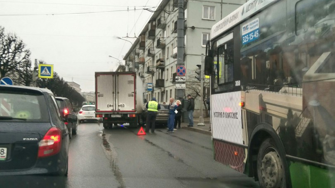 ДТП на Новочеркасском проспекте стало причиной пробки