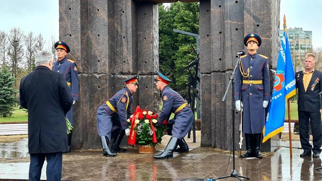 В Петербурге заложили аллею ликвидаторов-чернобыльцев в парке Сахарова