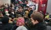 Петербуржцы пожаловались на сильную давку в метро из-за предновогодней суеты
