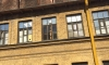 Голый мужик на крыше дома на Большой Пушкарской напугал горожан
