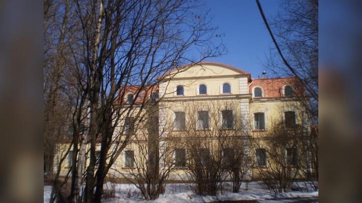 Собственник корпуса Усадьбы Белосельских-Белозерских на Крестовском приведет здание в порядок