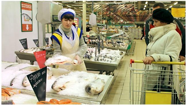Петербуржцы стали тратить на 25% меньше денег на продукты