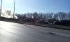Горящий Volvo перекрыл Приморский проспект белым дымом
