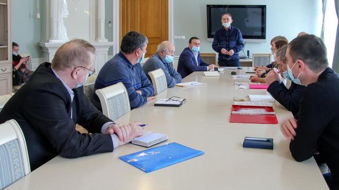На заседании Общественно-координационного совета по ЖКХ обсудили замену электросчетчиков