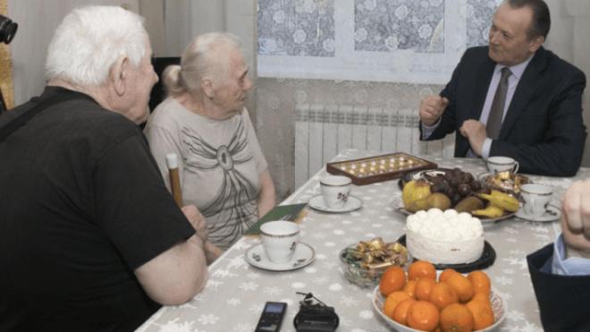 Пара из Выборгского района отметила 70 лет совместной жизни