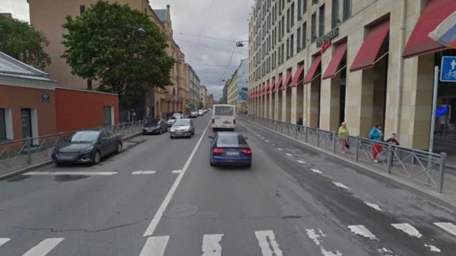 Петербуржцы потребовали убрать велополосу с улиц Большая Зеленина и Введенская
