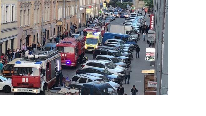 При пожаре в центре Петербурга пострадал человек