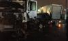 В Петербурге пьяный водитель чудом избежал столкновения с фургоном, но влетел в бетономешалку