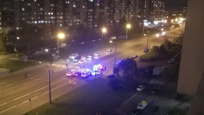 На пешеходном переходе на Индустриальном проспекте сбили трех женщин