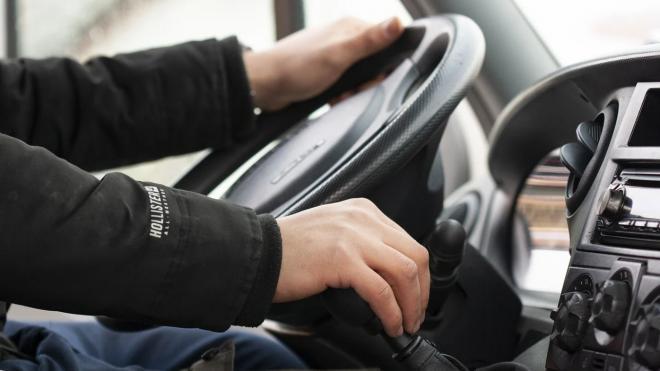 Самые большие зарплаты водители в сфере логистики получают в Москве и Петербурге