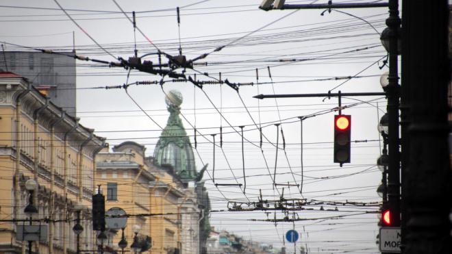 """""""Ростелеком"""" хочет очистить небо в центре Петербурга от проводов"""