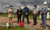 Александр Дрозденко посетил мемориал на Невском Пятачке