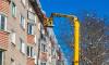 В Ленобласти при падении наледи с крыши пострадали две девушки