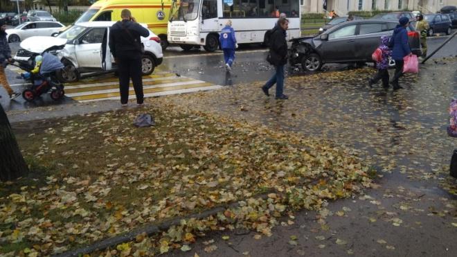 В массовом ДТП на Гражданском пострадали два человека