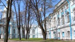 Реставрация интерьеров церкви св. Александра Невского каре Смольного пройдет в Петербурге