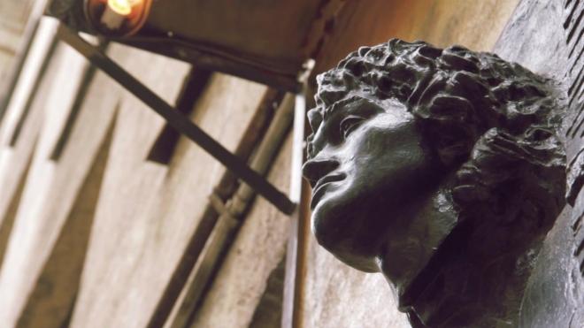 Памятник Цою появится в Петербурге через год