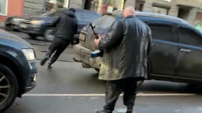 Барецкий с автоматом в руках похитил девушку в Петербурге