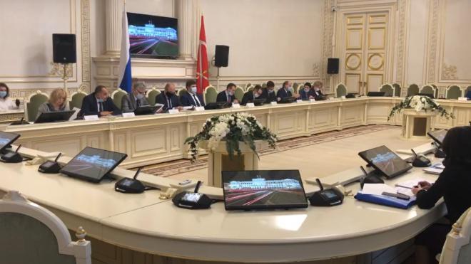 """Комитет по законодательству одобрил обновленный законопроект об увеличении площади """"наливаек"""""""