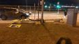 Сильный ветер в Петербурге свалил фонарь