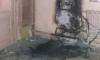 Ночью в Свечном переулке коллекторы сожгли детскую коляску в парадной