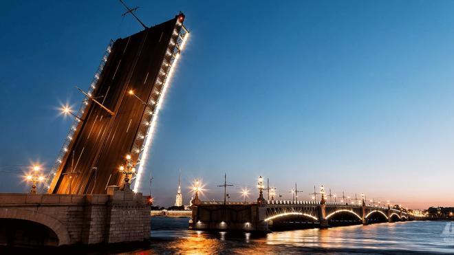 В ночь на 22 декабря разведут Троицкий мост