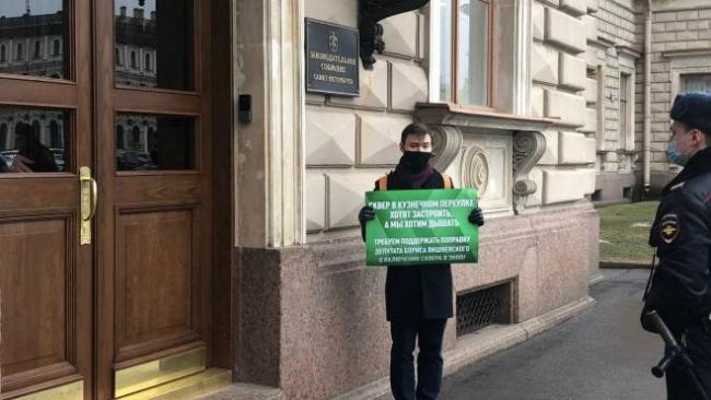 Петербургские депутаты не смогли защитить от застройки сквер в Кузнечном переулке