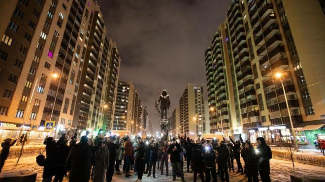 Флешмоб с фонариками прошел в Петербурге мирно и без полиции