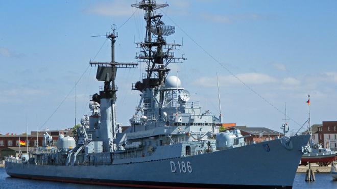 В Смольном начали подготовку к военно-морскому параду