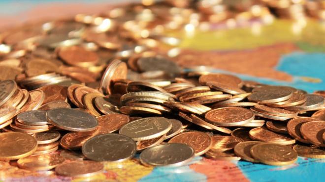 Средняя зарплата в Петербурге за год выросла на 7,1 %