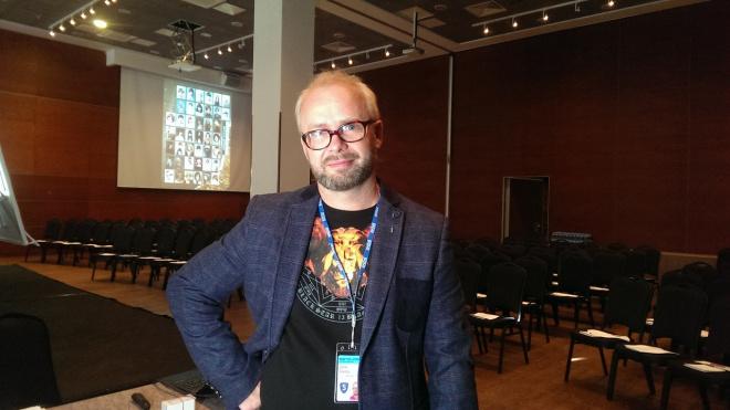 Стилиста Дениса Осипова оштрафовали за использование чужих фонограмм в работе