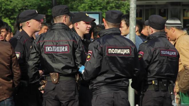 Представители ОБЭП и следователи пришли в МО Сампсониевское с обысками