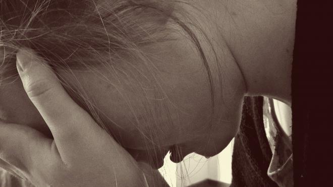 18-летний парень изнасиловал школьницу в квартире на Гражданском проспекте