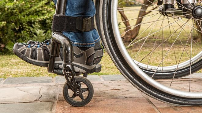 Работающий курьером инвалид-рецидивист лишил доверчивого петербуржца 2,5 млн рублей