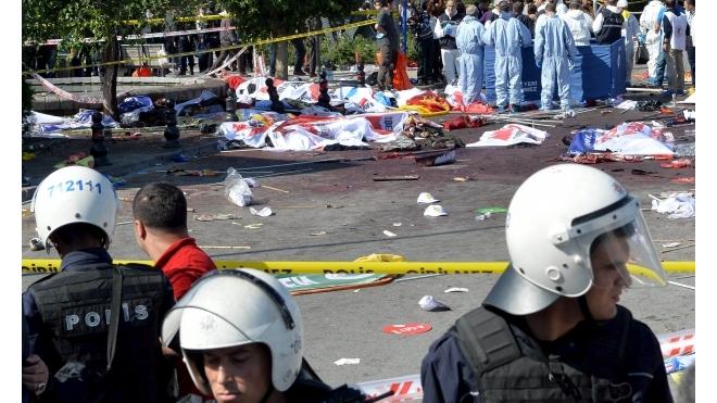 Количество погибших в столице Турции перевалило за сотню