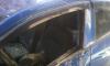 В центре Петербурга лепнина разрушила припаркованный автомобиль