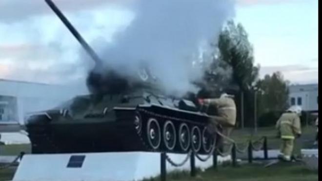 В Нижегородской области вандалы подожгли памятник - танк Т-34
