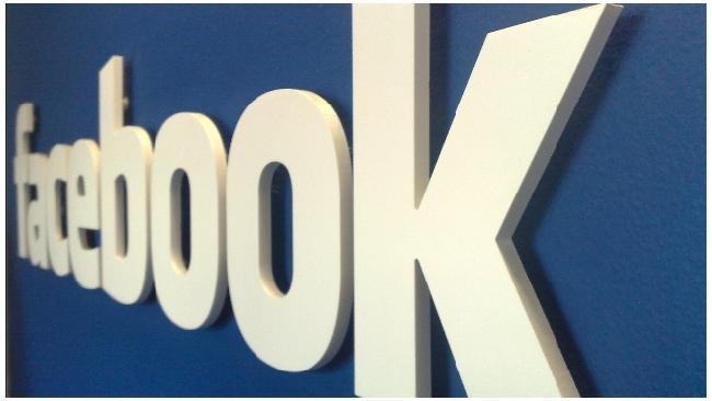 Facebook представил собственное фотоприложение для iOS