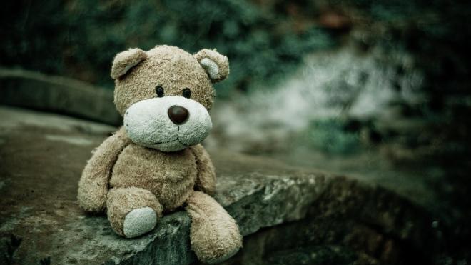 Девятилетняя девочка упала из дома на Индустриальном проспекте