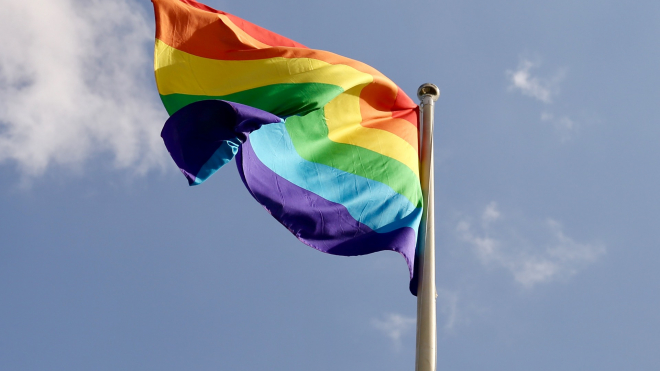 Жителя Омска не взяли на работу из-за сходства с геем