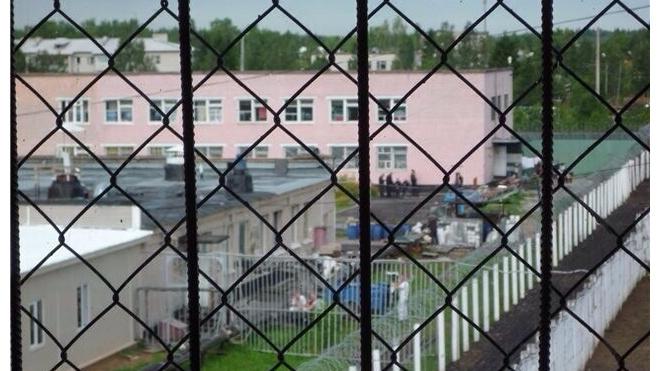 """Трех заключенных в """"Крестах"""" обвинили в вымогательстве"""