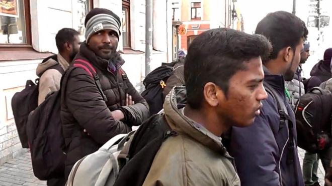 Из Петербурга депортируют индийских мигрантов, пытавших уехать в ЕС