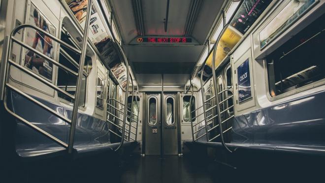 Станция метроПлощадь Восстания закрыта из-за бесхозного предмета