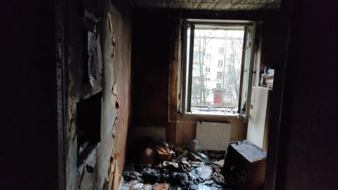 Появились фото последствий пожара на Приморском шоссе, после которого обнаружили обгоревший труп
